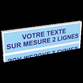 Panneau bleu clair texte bleu foncé