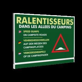 Ralentisseurs dans les allées du camping