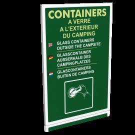 Containers à verre à l'extérieur du camping
