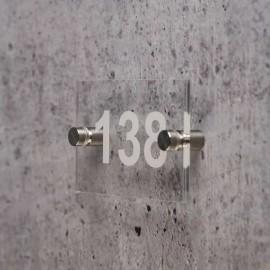 Numéro en plexiglas avec 2 entretoises