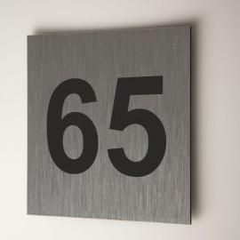 Numéro sur dibond aluminium brossé