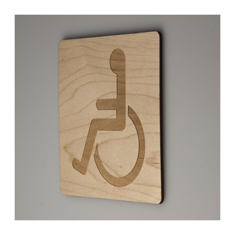 Signalétique bois gravure handicapés