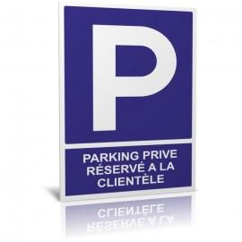 Parking privé - Réservé à la clientèle