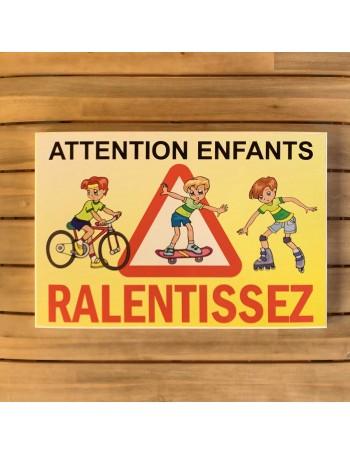 Attention aux enfants -...