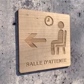 Signalétique en bois gravure salle d'attente